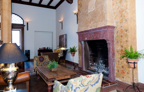 hotel norm lobby